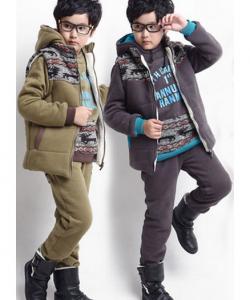 костюм теплый для мальчика тройка с жилеткой 3003143 фотография
