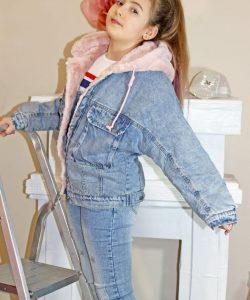 куртка для девочки джинсовая на меховой подкладке 9836 фотография