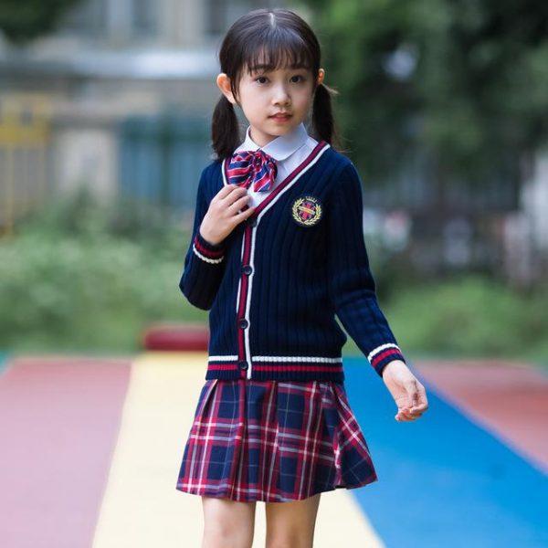 школьный костюм для девочки, британи 2706188 фотография
