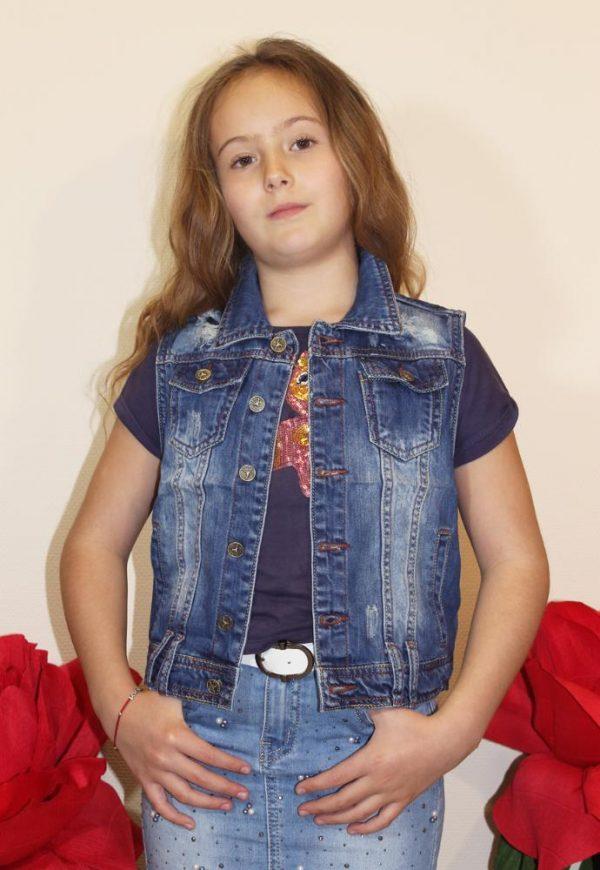 жилетка джинсовая на девочку синяя 54811 фотография