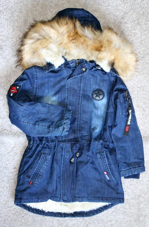 куртка джинсовая утепленная с капюшоном на мальчика 81406 фотография